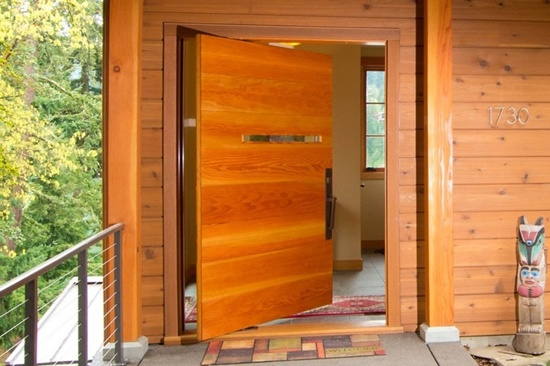 35 front door designs that welcome your guests in grandeur for Big entrance door