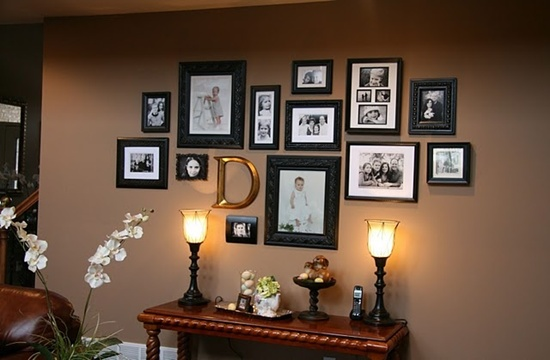 25 unique ideas for designing a photo wall. Black Bedroom Furniture Sets. Home Design Ideas