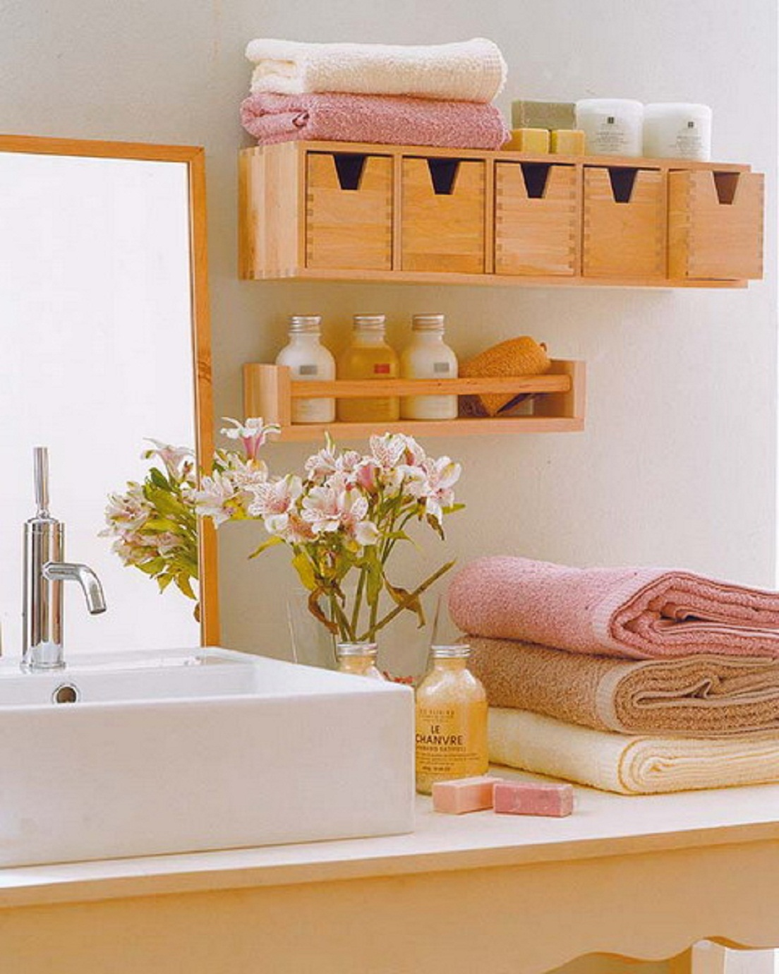 Practical-Bathroom-Storage-Ideas-Light-Wood