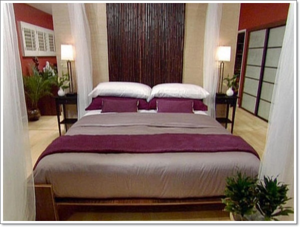 amazing-bamboo-platform-bed-with-white-purle-pillows-and-purple-duvet-cover-915x686