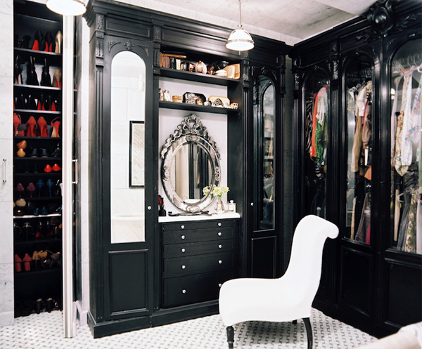 Having Your Walk In Closet Incorporated Master Bedroom Can Be Quite Convenient And Help Managing The Clutter That Often Hens If Clothes Are