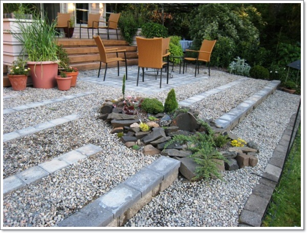 ... Ideas 8d589be5a0eefd6d05cd88808fb4a7d8 28 The Rock Garden Breaks Up The Long   ...