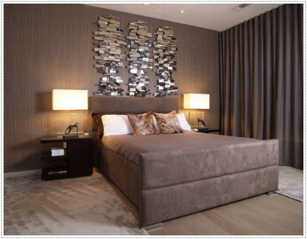 Contemporary-Bedroom-Design-with-Wall-Art-Decoration