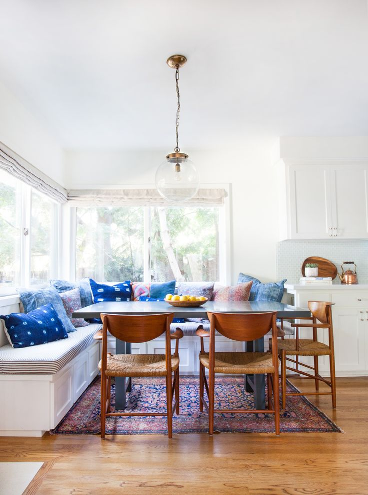 35 Brilliant Breakfast Nook Designs