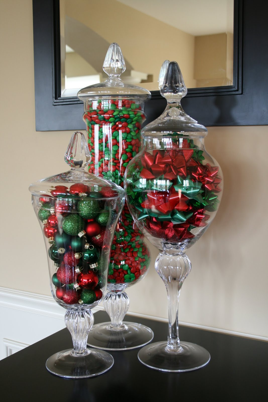 30 cute creative christmas decorating ideas for Cheap holiday decorations
